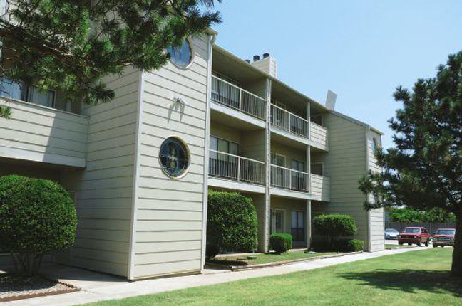 Eagle Crest Apartments